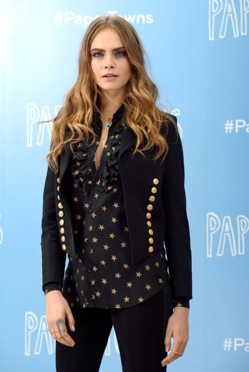 "LONDON, ENGLAND - JUNE 18:  Cara Delevingne attends the ""Paper Towns"" Photocall at Claridges Hotel on June 18, 2015 in London, England.  (Photo by Karwai Tang/WireImage)"